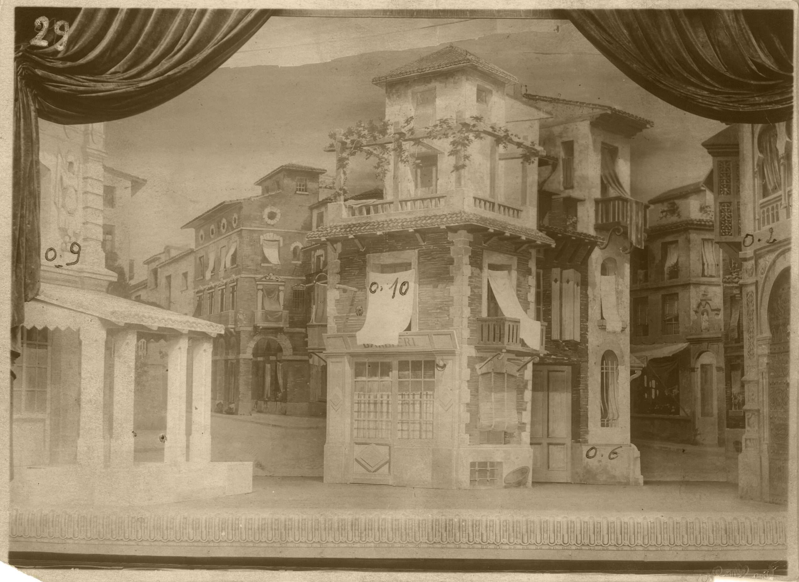 Scenery, Acts I and IV (1), Stadsschouwburg / Théâtre communal, Courtray, 1921