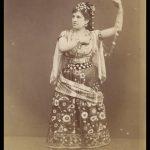 Zelia Trebelli as Carmen